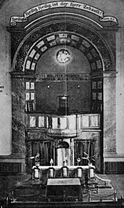 Der Altar hatte in den Anfangszeiten noch ungeahnte dekorative Dimensionen.