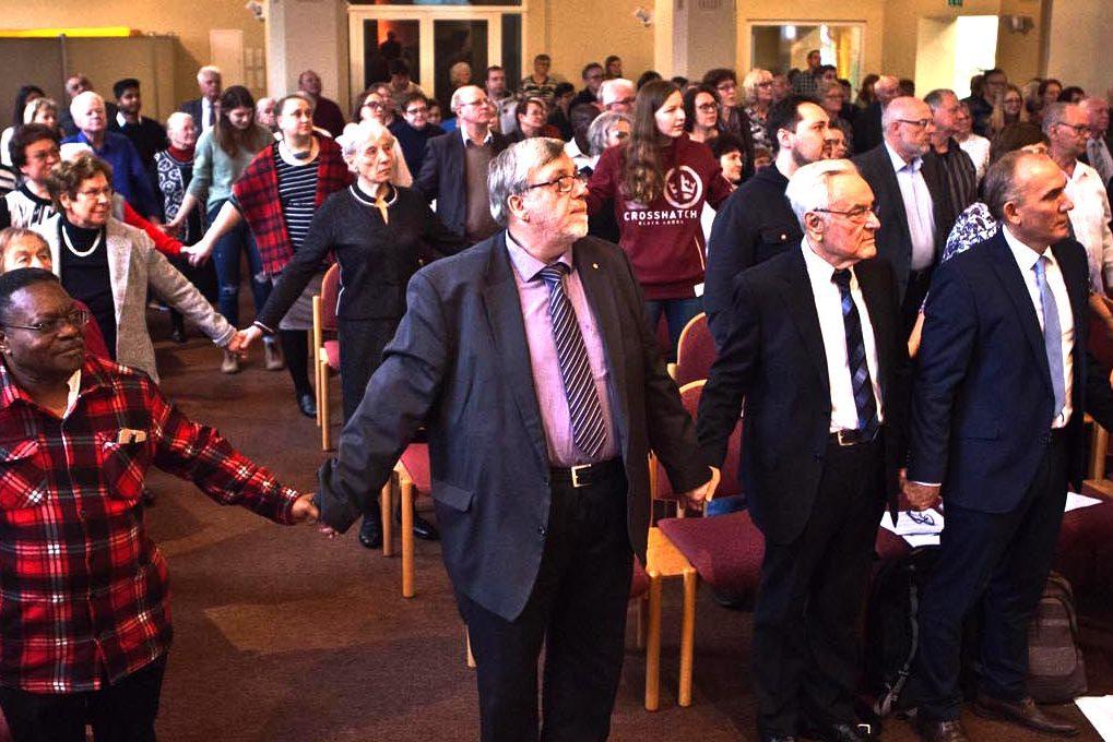 Beim Fusionsgottesdienst in der Christuskirche am Westring besiegelten die Gemeinden die Einheit. ©Horst Martens