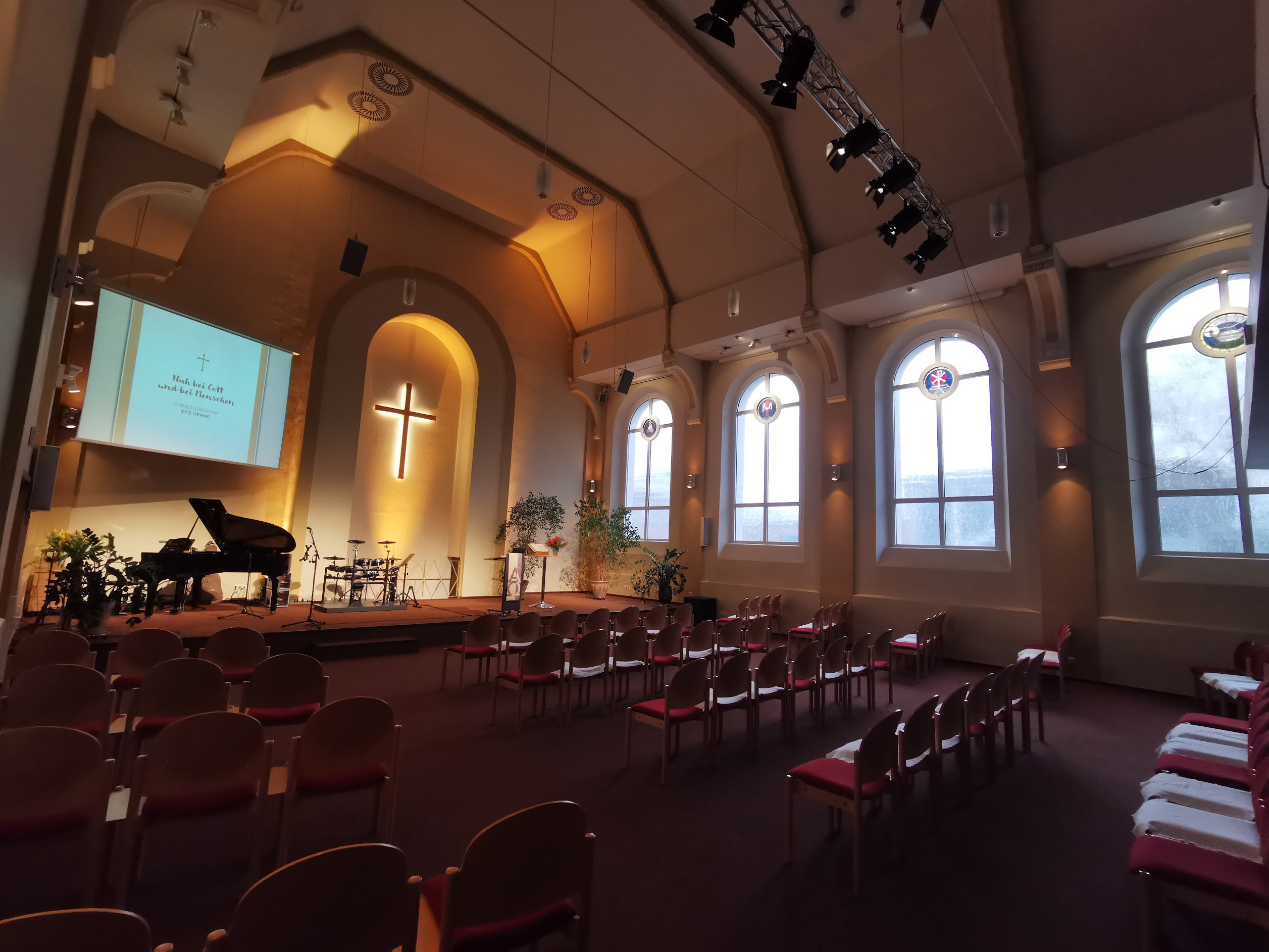 unsere neu ausgeleuchtete Kapelle